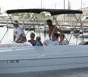 26 Foot Deck Boat Rental