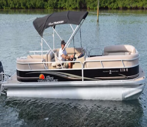 26' Pontoon Boat Rental